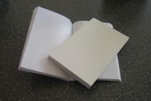 Blanka omslag och 152 tomma sidor